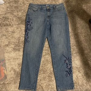 Style & Co Crop Boyfriend jeans Floral Embroidery